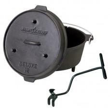 Univerzální litinový hrnec Camp Chef Deluxe Dutch Oven 30 cm s poklicí a zvedákem